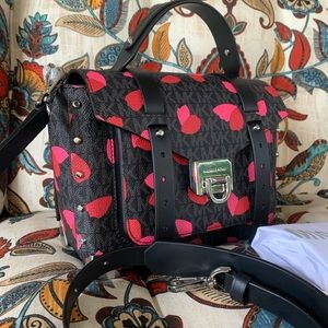 New Mk ❤️Manhattan Medium satchel